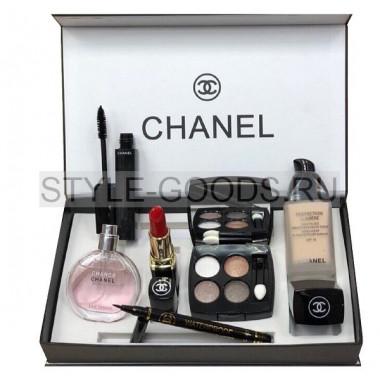 Подарочный набор косметики Chanel c тенями для век